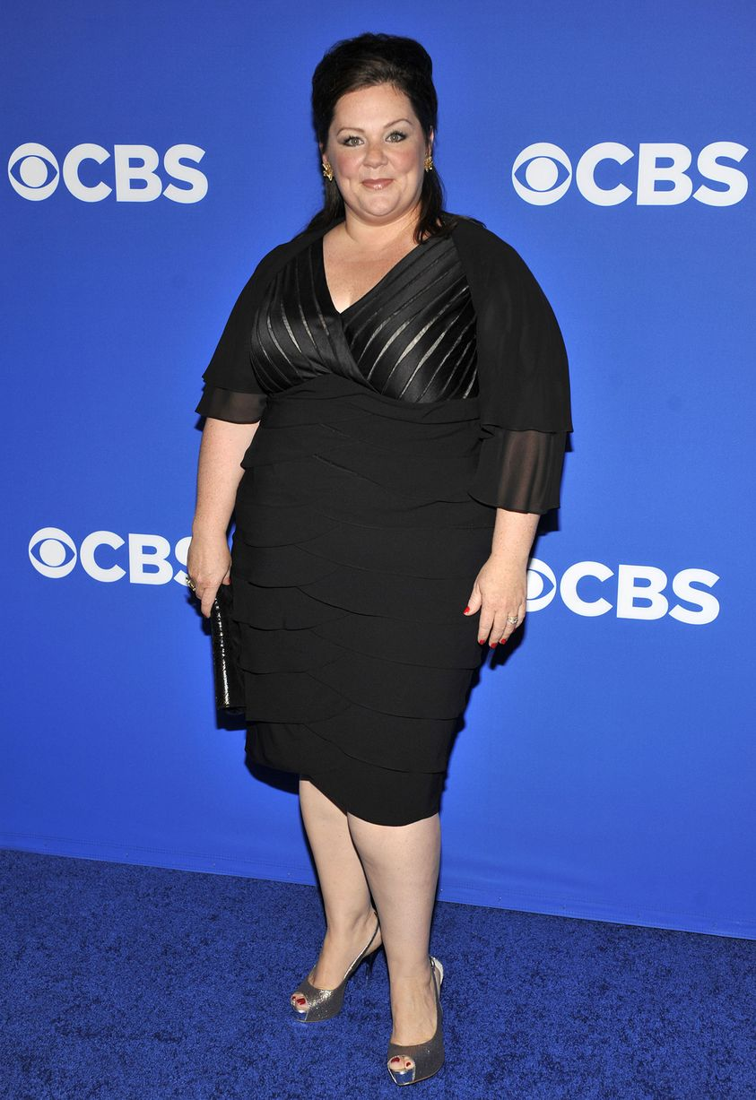 Melissa McCarthy wearing Plus Size pencil Skirt