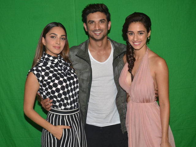 disha-patani-in-spliced-neck-cocktail-dress-in-ms-dhoni-promotion