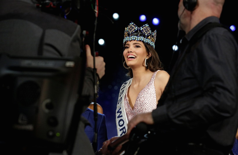 Miss Puerto Rico Stephanie Del Valle speaks to the media after winning the Miss World 2016 Competition in Oxen Hill, Maryland, U.S., December 18, 2016. REUTERS/Joshua Roberts