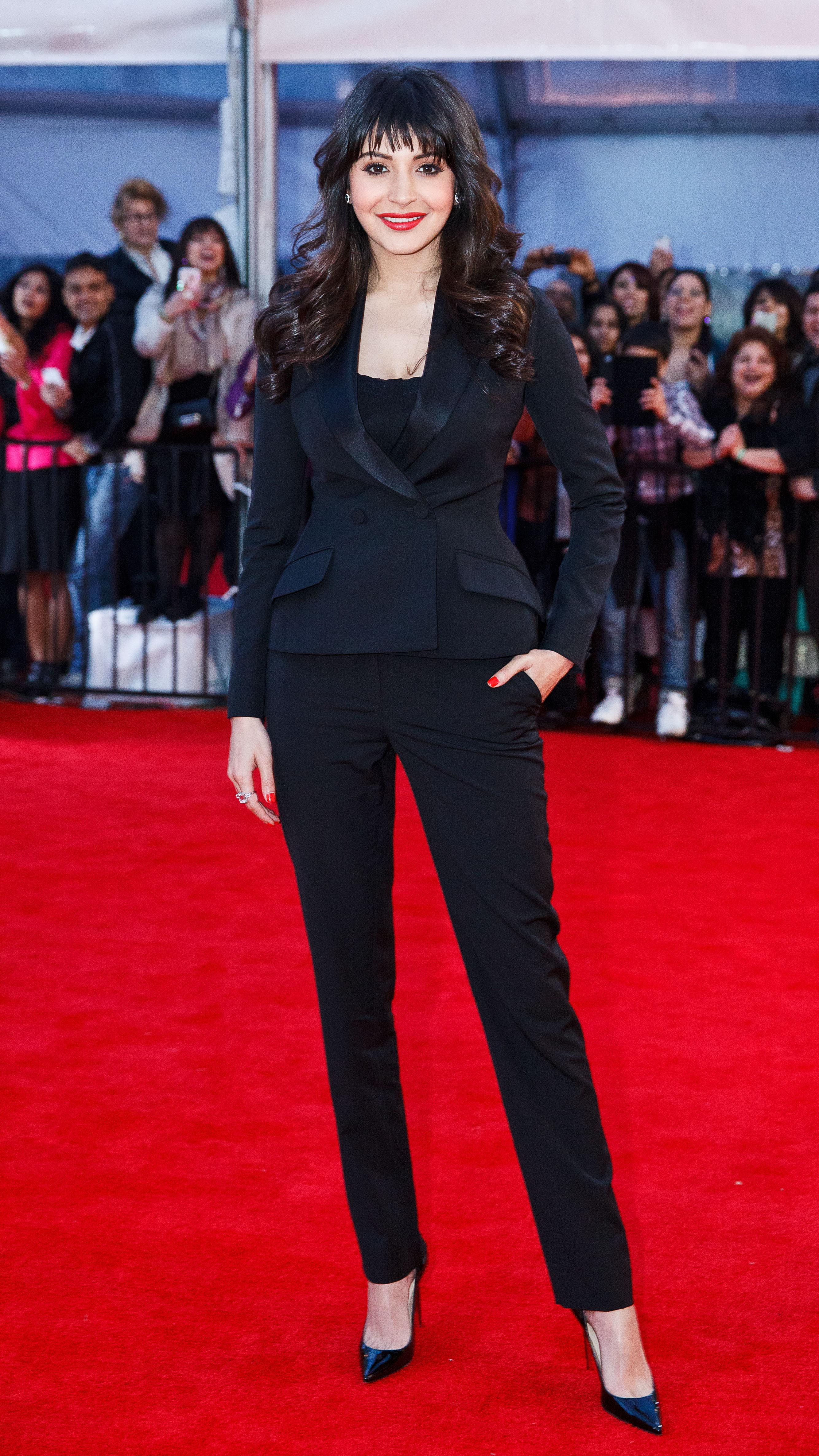 Anushka Sharma Black Suit