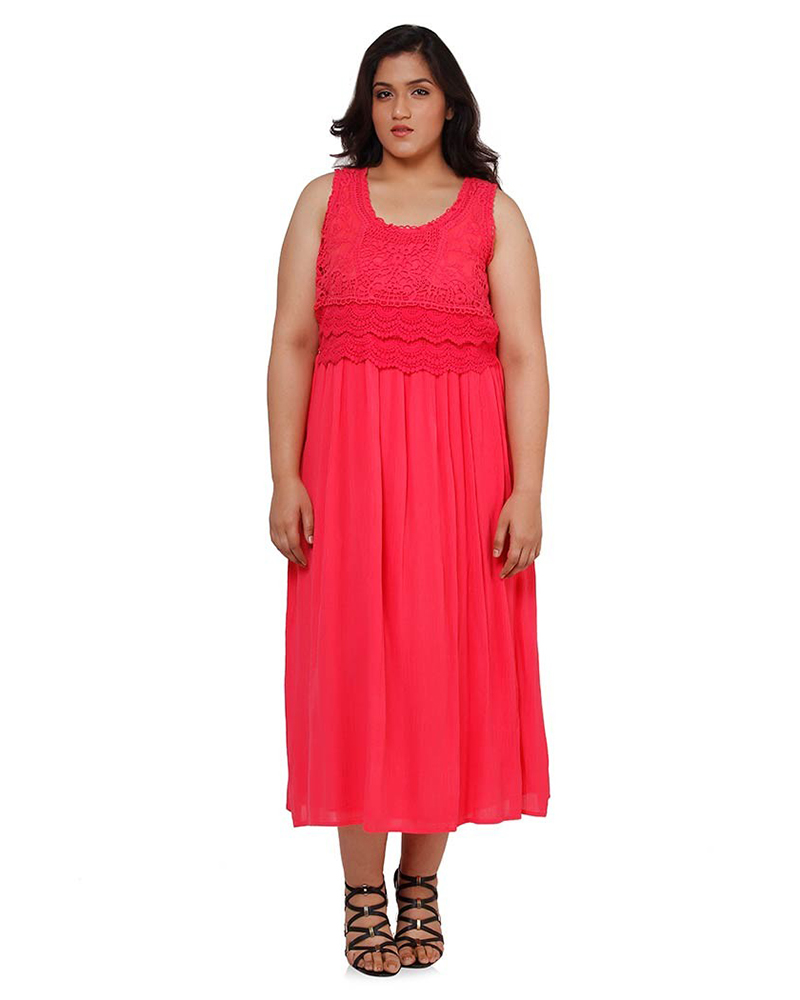 Browse our collection of trendy plus size women's clothing for all sizes and beautiful bodies. We've got plus size dresses that are flirty, casual, and chic. Whether you are looking for just the right dress to wear to work, school, prom, homecoming, a party, a special event, or a date, we feel confident that you will love our women's.