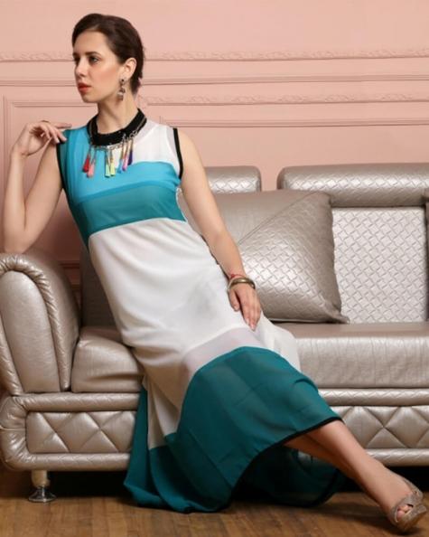 Appealing Partywear White Georgette Kurti