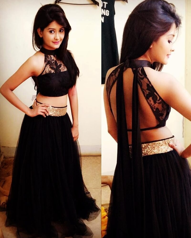 Kanchi Singh Hot Black Lehenga Set